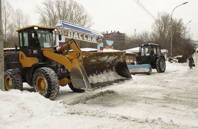 В Анжеро-Судженске в ежедневном режиме работает снегоуборочная техника